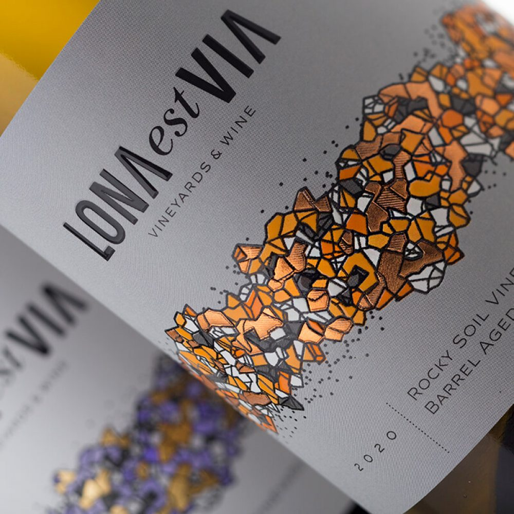 Lona Wine Label