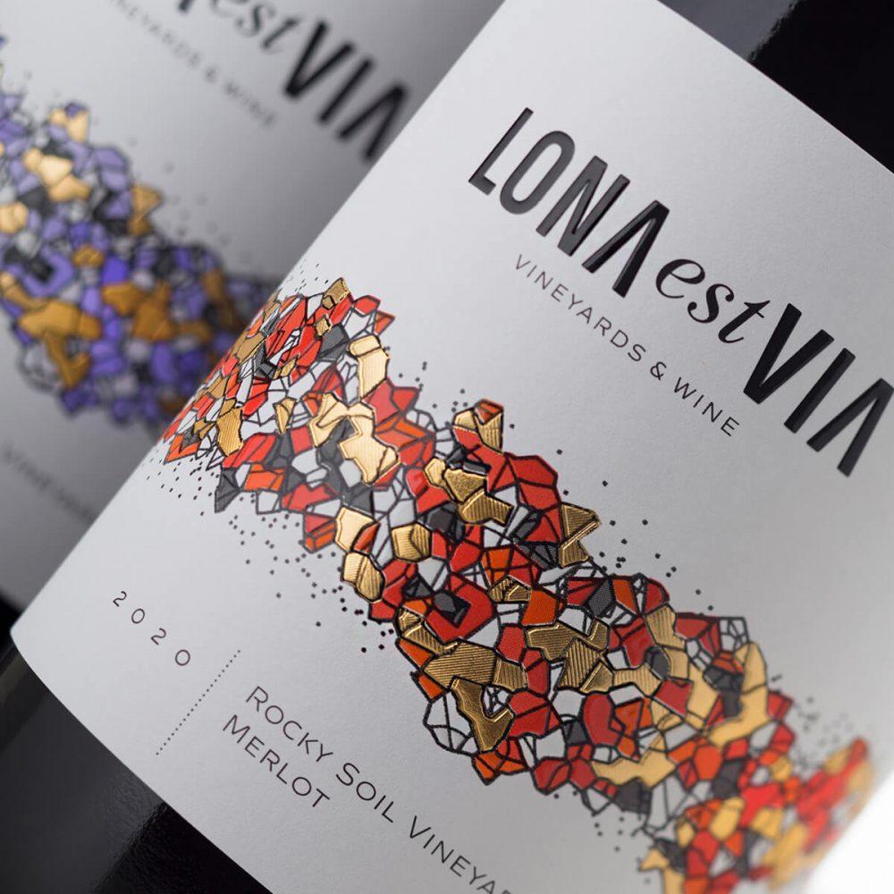 Lona via Est Wine label